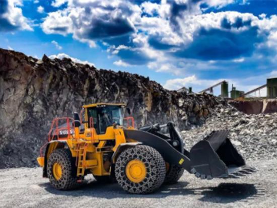 沃尔沃L350H装载机是如何适应矿山作业呢?