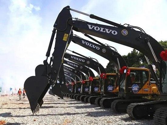 长沙佳沃开启租赁业务,20台挖机助力湖南十三五重点工程