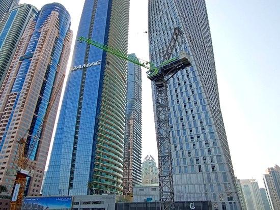 挑战全球最高酒店类项目 中联重科塔机助建阿联酋迪拜蓝天酒店