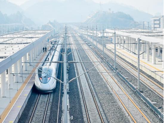 前三季度完成铁路投资81亿元 湖南省在建铁路项目顺利推进