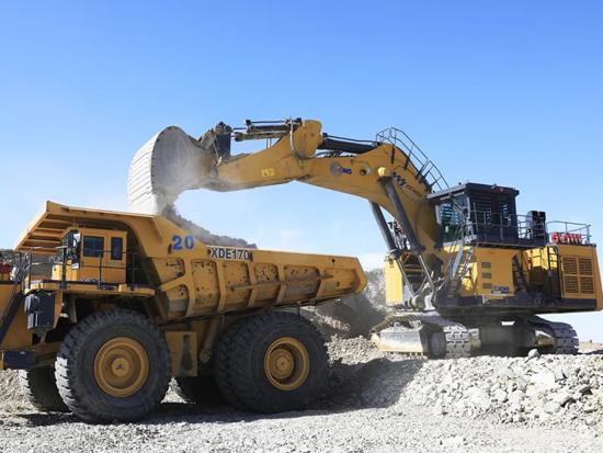 风头无两!这个矿区,引700台徐工矿用装备扎根