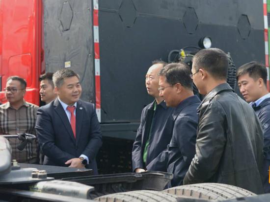 上汽红岩与内蒙古大客户签订氢燃料电池重卡采购协议