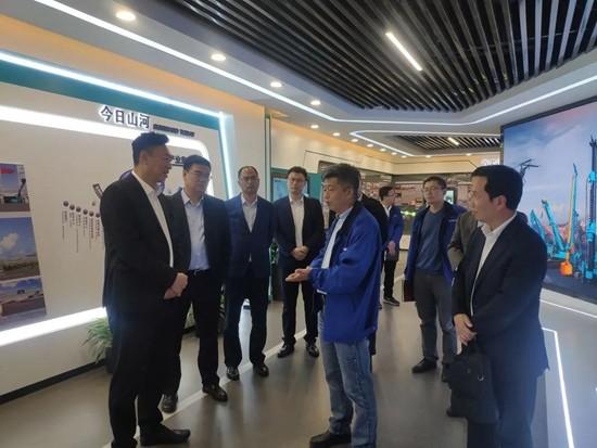 中国联通首席科学家范济安到访山河智能