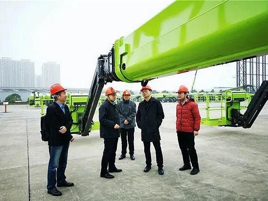 协会秘书长吴培国、副秘书长王金星到中联重科高机公司调研交流