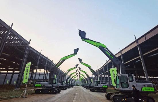 中联重科土方机械巨轮起航