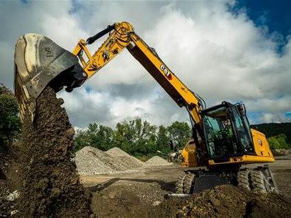 卡特彼勒推出新一代轮式挖掘机M316