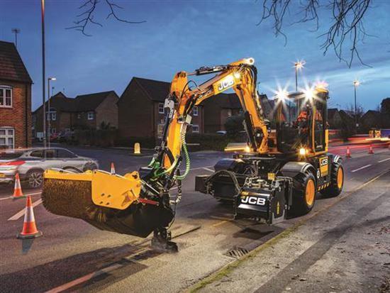 JCB推出基于轮式挖掘机的路面维修设备PotholePro
