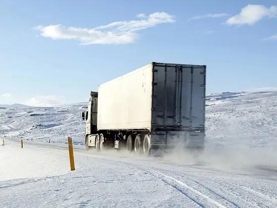 陕汽重卡 | 卡友们,车窗结冰如何处理?