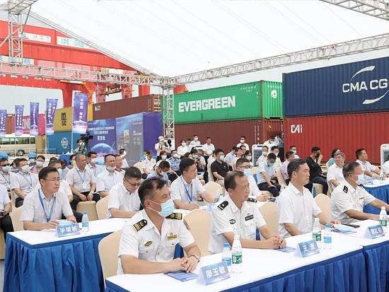 """全球首套""""无人化港口门机人工智能理货系统""""在珠海港启用"""