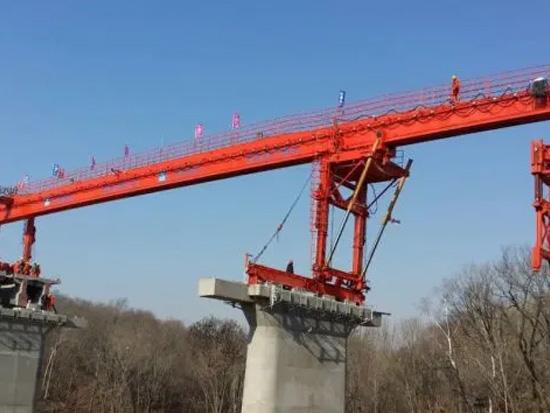 中国制造日,听中铁十一局讲述架桥机的前世今生