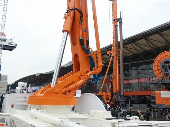 三橋56米,全球橋長比之王,配置180方大方量泵送系統!
