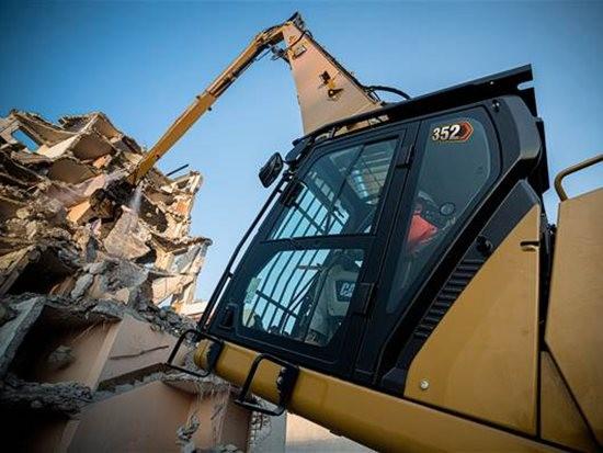 卡特彼勒推出Cat 352 UHD超高拆除挖掘机