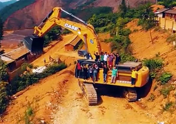 矿山利器 第23台凯斯CX800Bme落地云南
