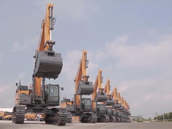 徐工大型成套矿业装备交付西藏铜矿发车仪式
