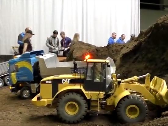 国外大型仿真矿工机械模型表演