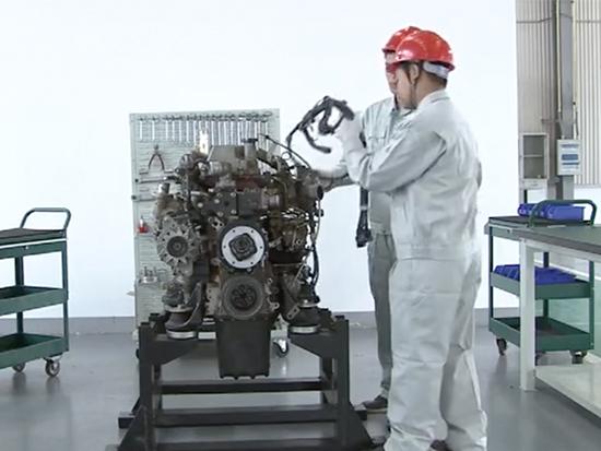 挖掘机维修资料神钢发动机J05维修视频教程