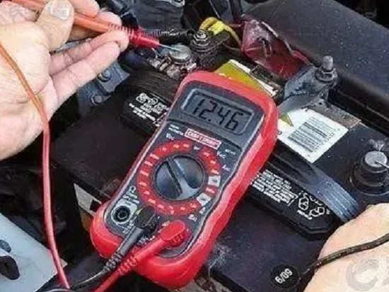 冬天工程机械电瓶 该如何保养