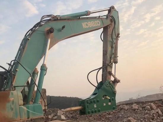 正确使用挖机破碎锤的8个方法