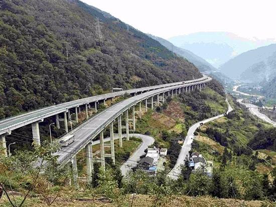 甘肃:肃北至沙枣园一级公路通车