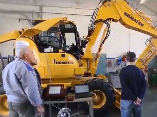 走进小松的意大利工厂,看看他们是如何造挖掘机的,长见识了!