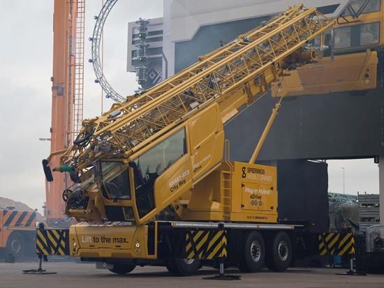 世界第一台混动吊车,比徐工XCT25EV老一个辈分!