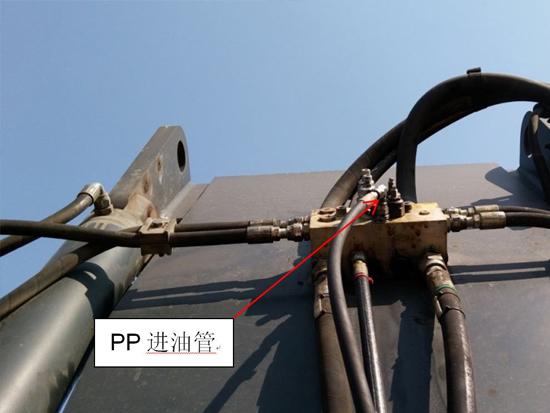 正面吊吊具前后大幅摆动的快速修复