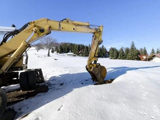 挖友必读:什么动作对挖机伤害大,该注意哪些操作?