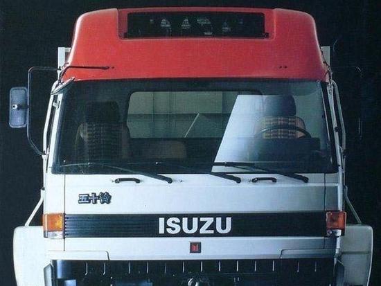 最大载重32吨,越野性能更出色,带你看看五十铃6X6重型卡车