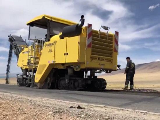 宝马格BM2000铣刨机轻松应对高海拔作业