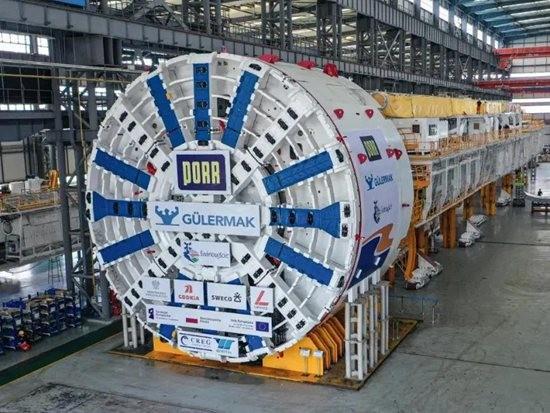 中国出口海外超大直径泥水平衡盾构机助力波兰Swina水道下穿公路隧道施工