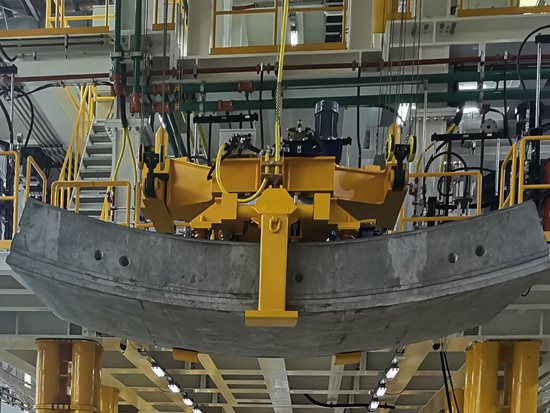 法兰泰克自主研发吊机 推进天目山隧道重点工程