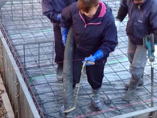 当日本女人开始搞混凝土,就没男人什么事了…