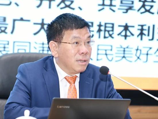 柳工党委召开传达贯彻全国两会精神大会