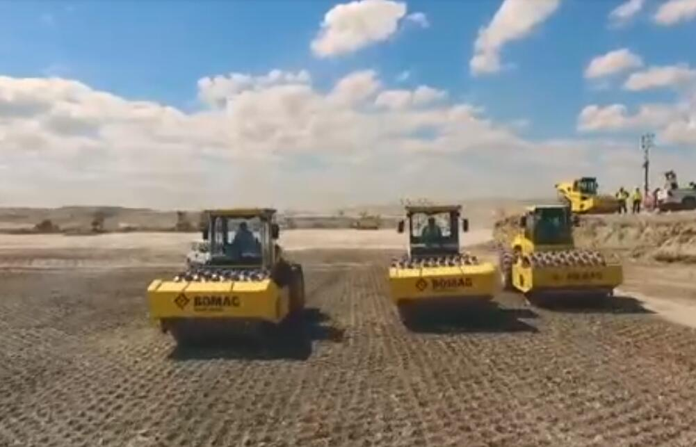 寶馬格最新壓路機產品紀實片