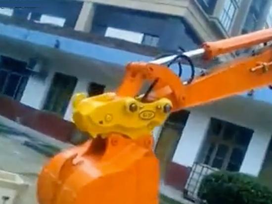 常青机械挖掘机属具视频
