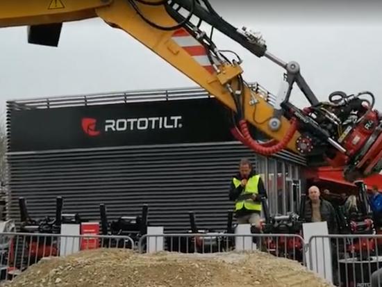 德国宝马展利勃海尔挖掘机加装多种属具演示视频