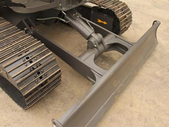 挖掘機推土鏟是多余的?那是因為你不知道,它有這么多用途!