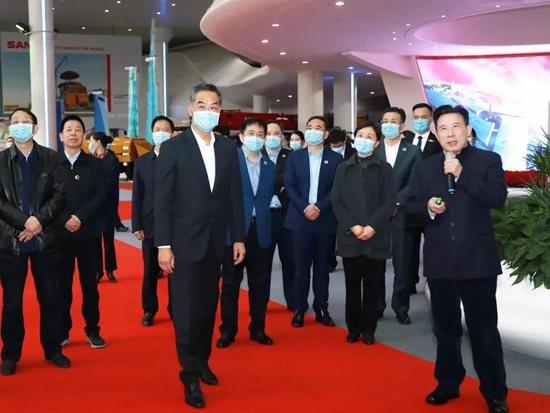 全国政协副主席梁振英:三一充分展示了中国制造的实力