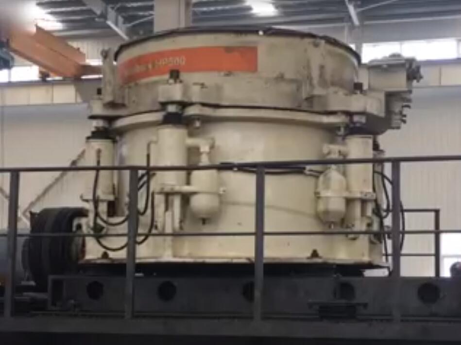 美卓HP500多缸圓錐破碎機維修完成試機檢測性能