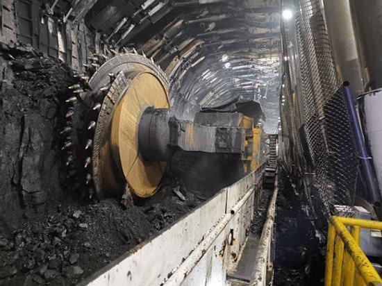 8.8米采煤机8个月采煤逾千万
