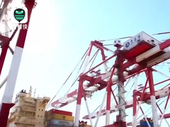 """青島港:""""無人碼頭""""生產作業卻""""行云流水"""" 曾讓老外""""驚奇"""""""