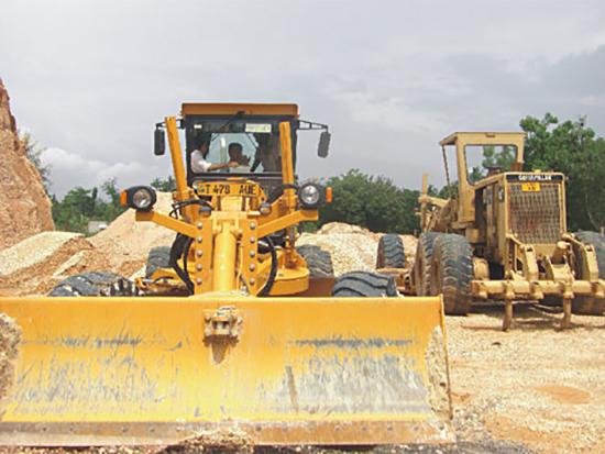 三一平地机参与坦桑尼亚公路工程