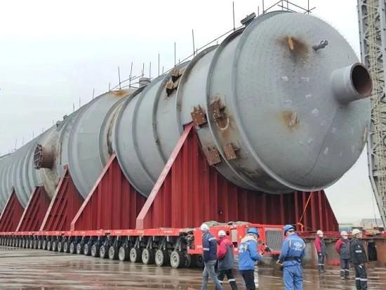 4000吨级抽余液塔运抵广东石化