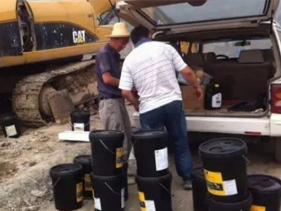 挖机小常识(五)更换液压油要注意哪些事项呢?