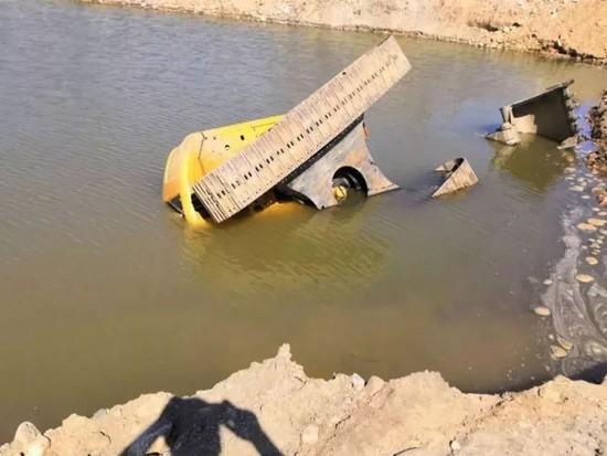 【施工案例】挖机水淹,不同处理方法损失相差10倍!