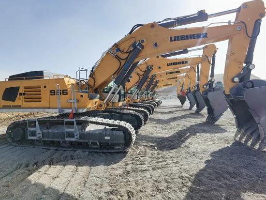 利勃海尔山西代理商向太钢鑫磊能源集团交付6台土方设备