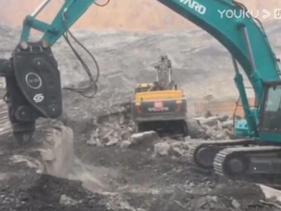 山河智能470挖掘机配高频锤,这效果看着很不错