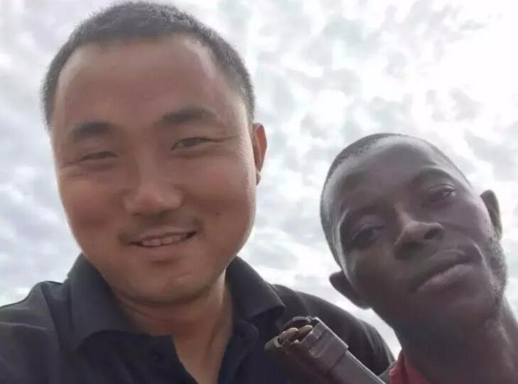 一位外派非洲 戴纳派克压路机售后服务的故事