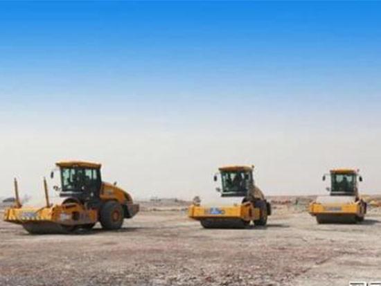 厉害!中国建造首个货运机场,徐工8台大吨位压路机组团助力