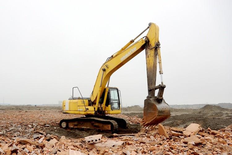 """二季度经济向好可期:挖掘机""""一机难求"""" 基建消费齐发力"""